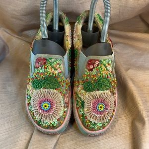 Lli Kelly richly embroidered loafers preloved